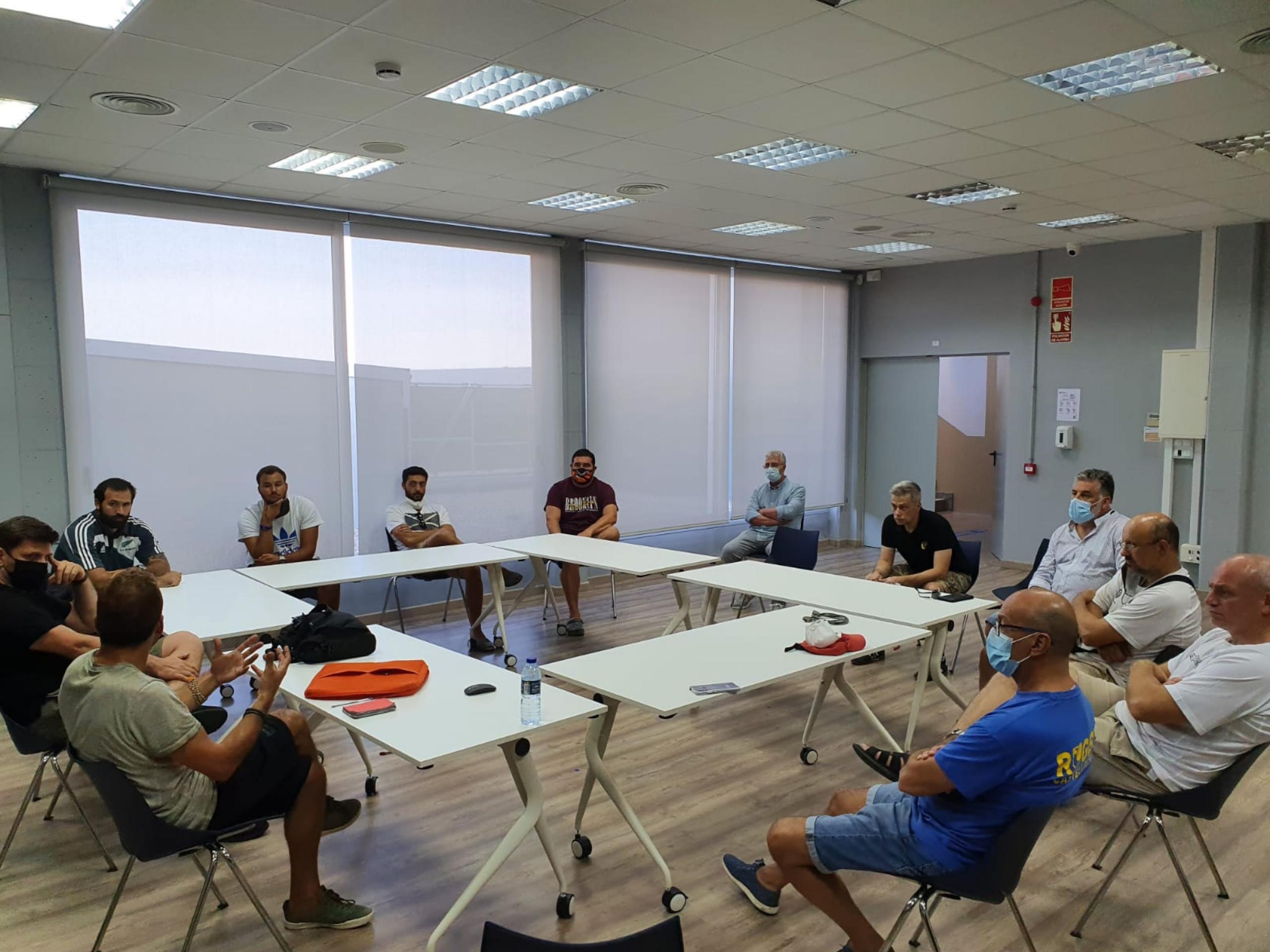reunión entrenadores directiva CRUC en can roca
