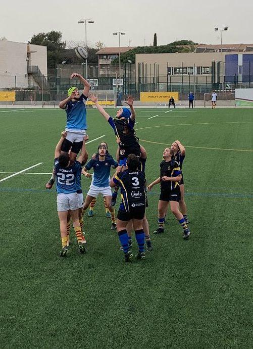 Touch del partido entre el CRUC Sub 16 y el XV Baldiri de Sant Boi