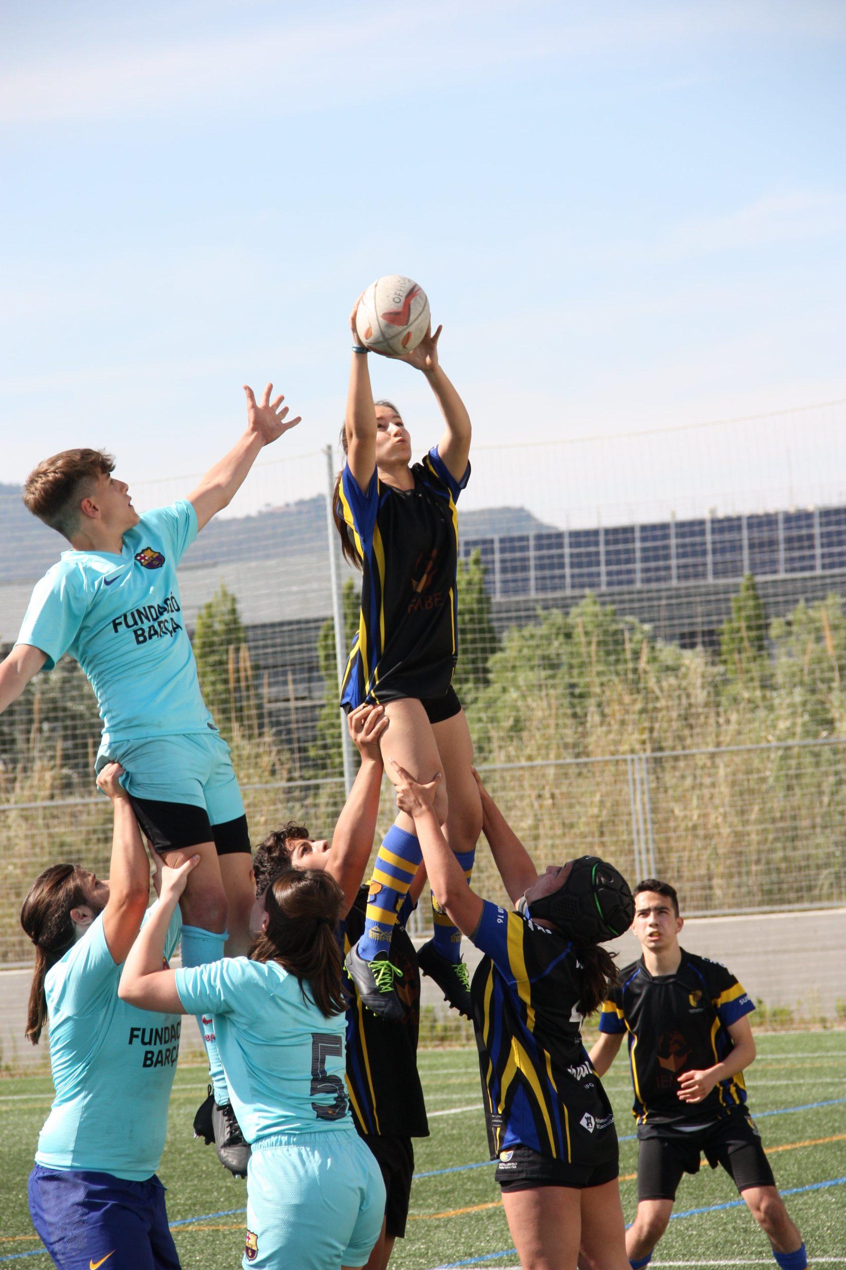 partido entre el CRUC sub 16 y el Barça Grana de rugby